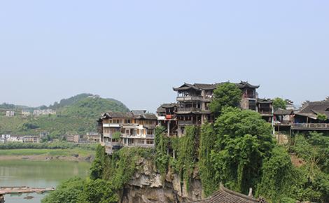 长沙、韶山、张家界森林公园、玻璃桥、天门山、湘西苗寨、凤凰古城6日