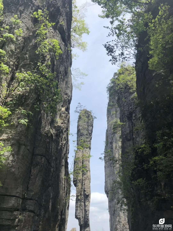 恩施大峡谷、腾龙洞、魅丽清江、壮观土司城、女儿城、 石门河地心谷、2飞6日游