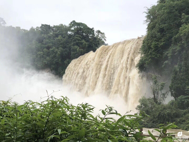 黄果树瀑布、荔波大小七孔、西江千户苗寨6日观光之旅