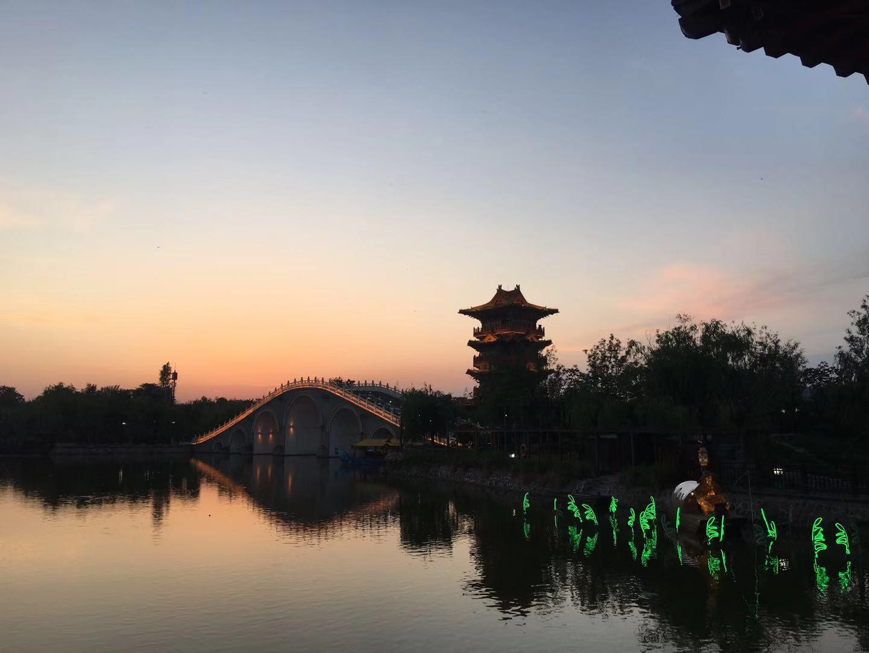印象河南:郑州、少林寺、龙门石窟、洛阳牡丹、云台山、清明上河园、包公祠、经典2飞4日游