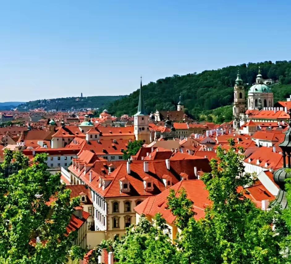 东欧5国(波兰、捷克、奥地利、斯洛伐克、匈牙利)12日