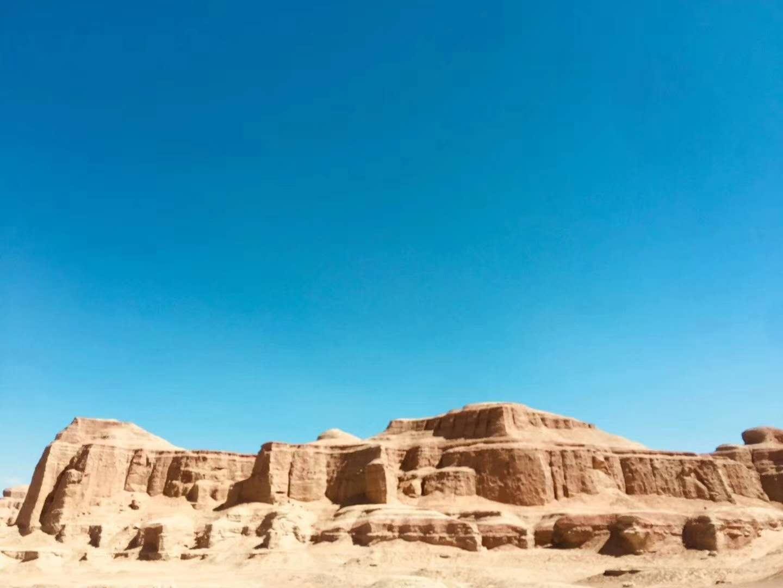 西宁 乌鲁木齐  吐鲁番 魔鬼城  喀纳斯 禾木 喀什 卡拉库里湖  喀什老城 香妃墓 清真寺  库尔勒 罗布人村寨6飞10日